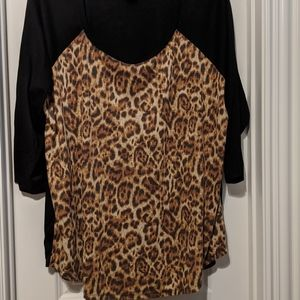 Torrid animal print raglan sleeve t-shirt 3x